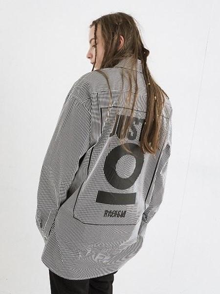 JUSTO国际品牌品牌字母印染条纹衬衫_黑色