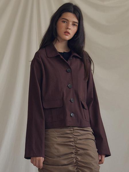 LARTIGENT国际品牌品牌2020春夏宽松翻盖口袋女士短款夹克_暗红色