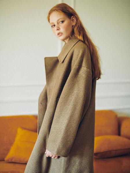 HIDDEN FOREST MARKET国际品牌2020春夏宽松落肩翻领双排扣女士长款毛呢大衣_棕色/黑色