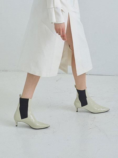 LOYIQ国际品牌品牌2020春夏尖头褶皱漆皮真皮鞋面松紧带拼接细跟短靴_白色