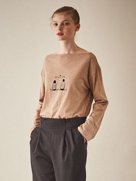 MAISON DE INES国际品牌品牌2020春夏宽松落肩船形领人像背影女士长袖T恤_米黄色