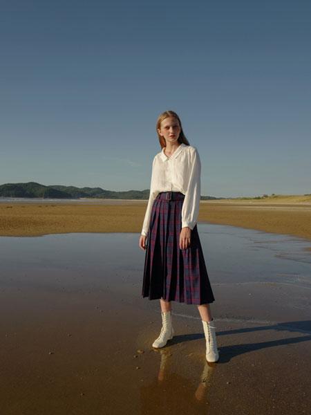 LAMIORE国际品牌2020春夏纯色真丝纽扣长袖衬衫