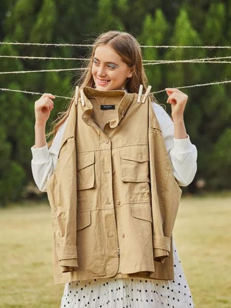 麦寻女装品牌2020春夏新款多口袋纯色夹克