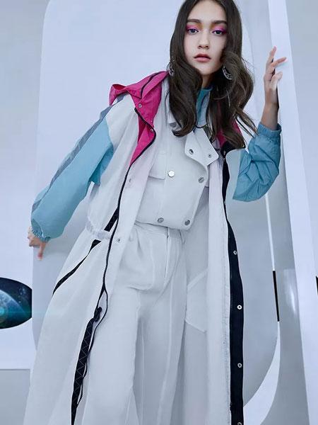 卡尼欧女装品牌2020春季新款拼接色外套大衣