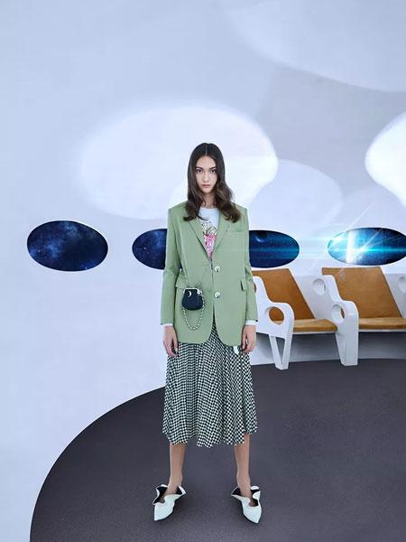 卡尼欧女装品牌2020春季新款纯色纽扣夹克