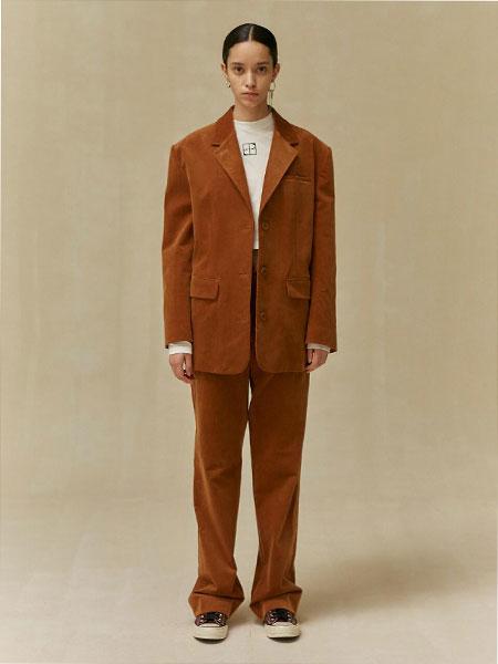 LOW CLASSIC国际品牌品牌2019秋冬宽松单排扣女士休闲西装_淡棕色