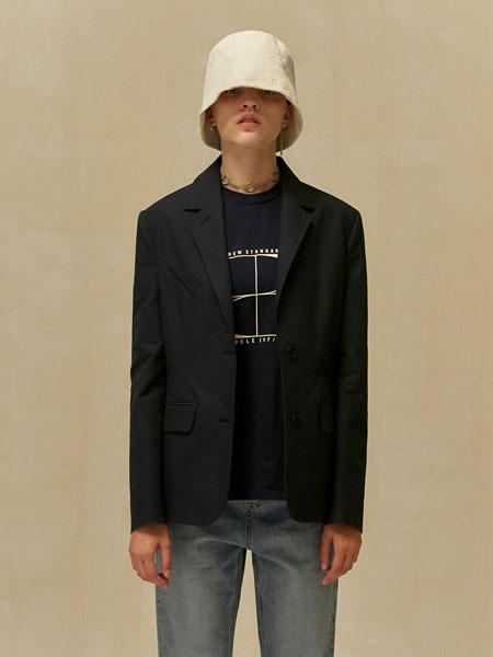 LOW CLASSIC国际品牌2019秋冬经典不对称口袋装饰女士休闲西装_藏青色