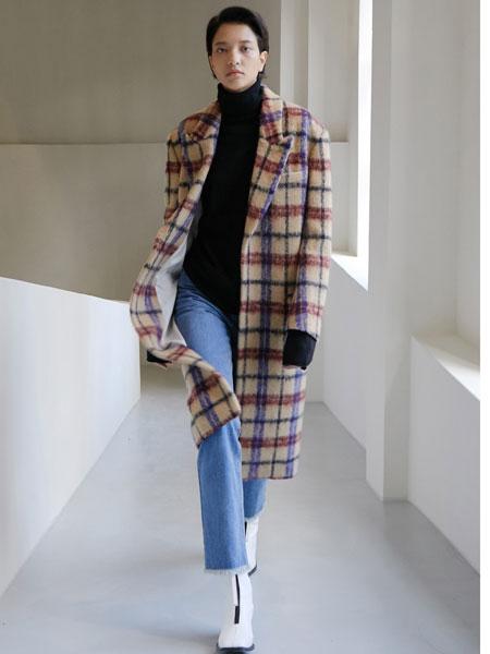 MAISON MARAIS国际品牌品牌2019秋冬毛绒格子长款大衣