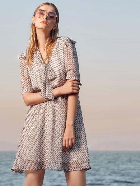 例格女装品牌2020春夏新款蕾丝缕空性感连衣裙