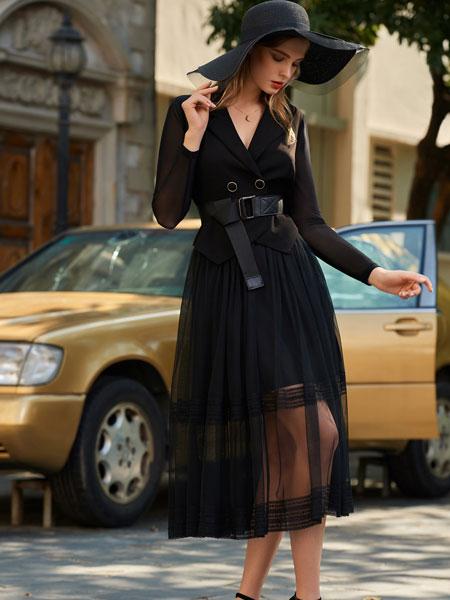 例格女装品牌2020春夏新款v领透纱连衣裙