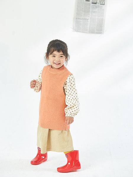 布兰卡Mr.Branca童装品牌2019秋冬新款纯色针织衫马甲套头