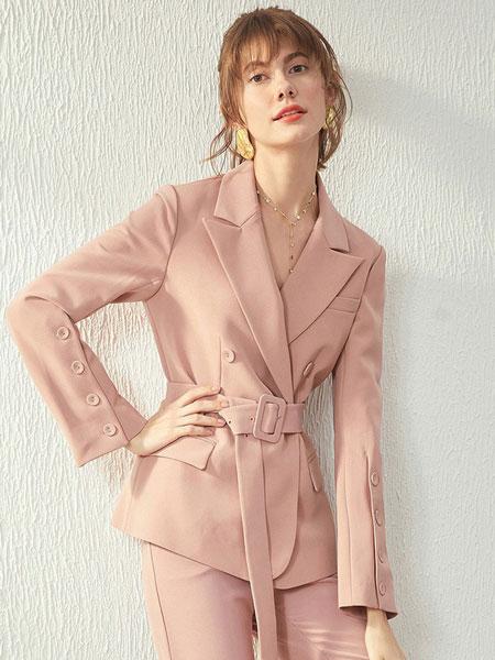 戈蔓婷女装品牌2019秋冬新款粉色西装套装