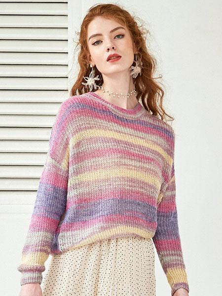 戈蔓婷女装品牌2019秋冬新款拼接色针织毛衣