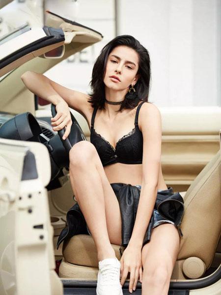 熳洁儿内衣品牌2020春夏新款纯色蕾丝性感内衣聚拢内衣调整型内衣文胸