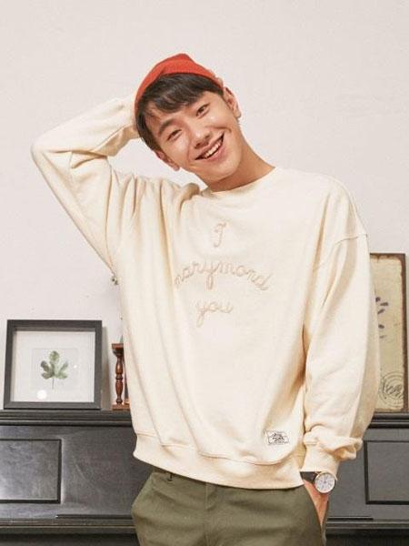 MARYMOND���H品牌品牌2019秋冬��松弧形LOGO字母刺�C男女同款�A�I�l衣_白色