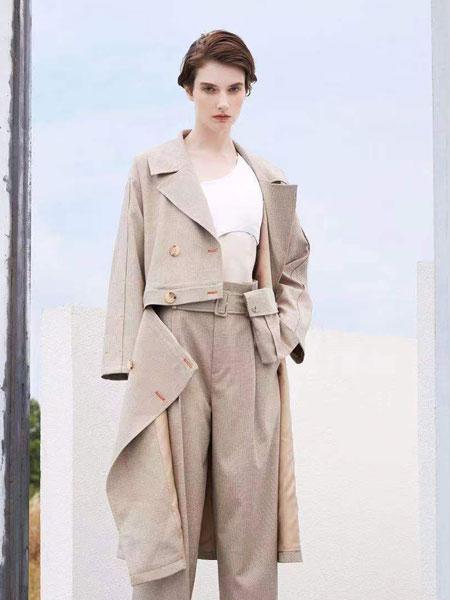 落地客女装品牌2020春夏新款不规则纯色大衣 百搭显气质