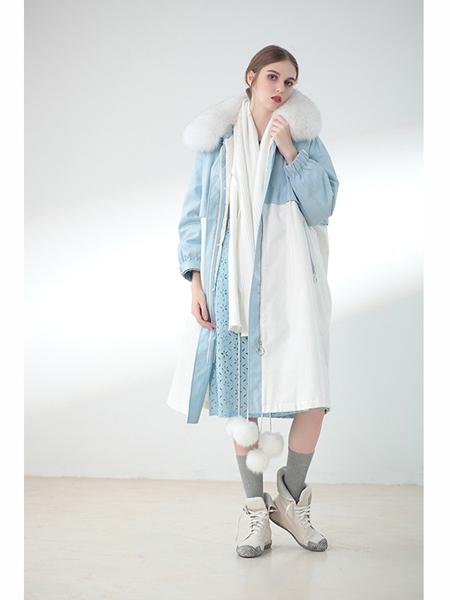莉佳丽女装品牌2019秋冬撞色羽绒服