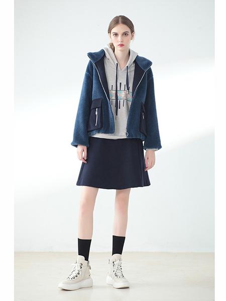 莉佳丽女装品牌2019秋冬时尚短款外套