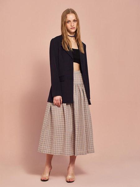 MIDNIGHT CIRCUS国际品牌品牌时尚知性西装