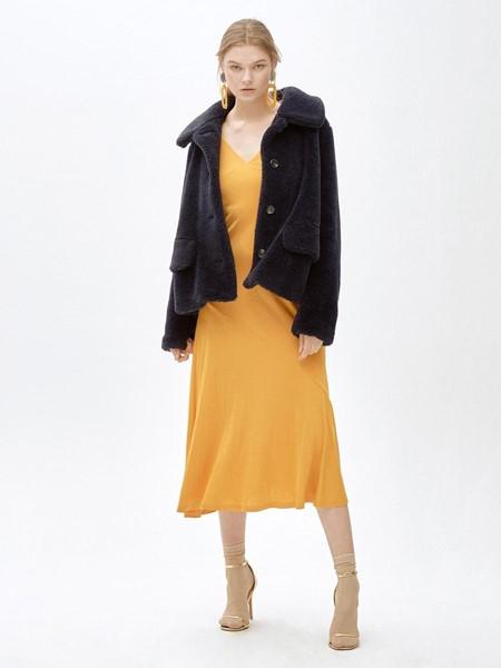 MOLLIOLLI国际品牌时尚短款外套