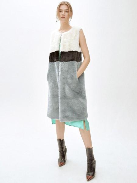 MOLLIOLLI国际品牌品牌贵妇羊羔毛马甲