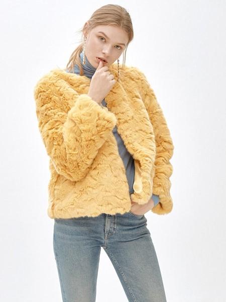 MOLLIOLLI国际品牌品牌暖黄羊羔毛外套