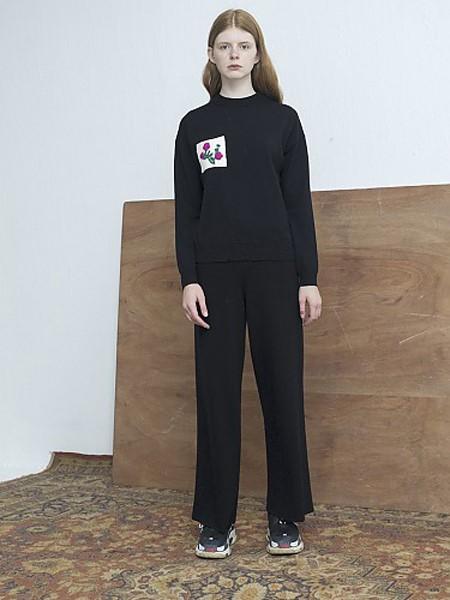 MOONHEE国际品牌品牌加绒圆领卫衣