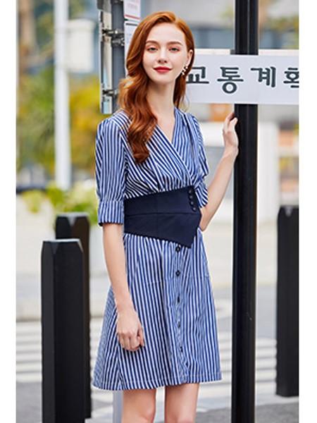 贝珞茵女装品牌2020春夏条纹收腰连衣裙