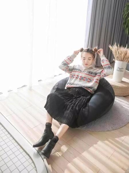 薇薇希女装品牌2019秋冬圣诞元素毛衣