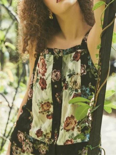 NARU KANG国际品牌品牌2020春夏经典拼色图案装饰女士单排扣背心_黑色