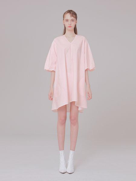 MUDIDI国际品牌品牌2020春夏V-NECK细节连衣裙001粉红色