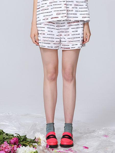 naturalizer国际品牌品牌2020春夏字母印花桑蚕丝睡衣风休闲短裤_白色/黑色