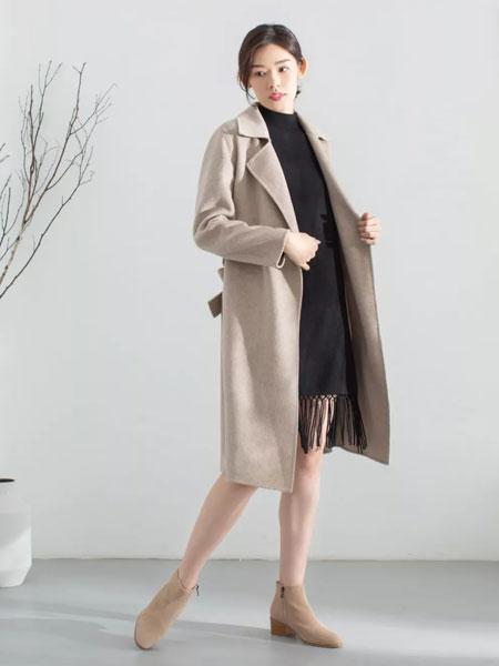 MOKOO女装品牌2019秋冬新款翻领纽扣长款大衣