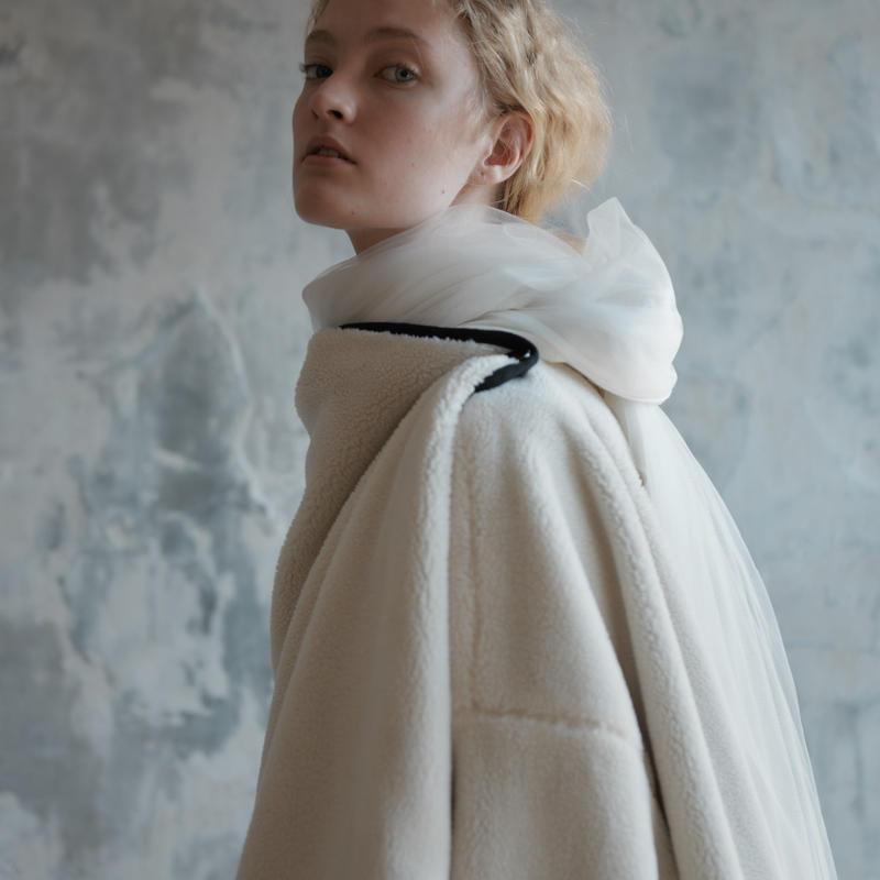REKISAMI国际品牌品牌2020春夏新款针织×Tulle披肩