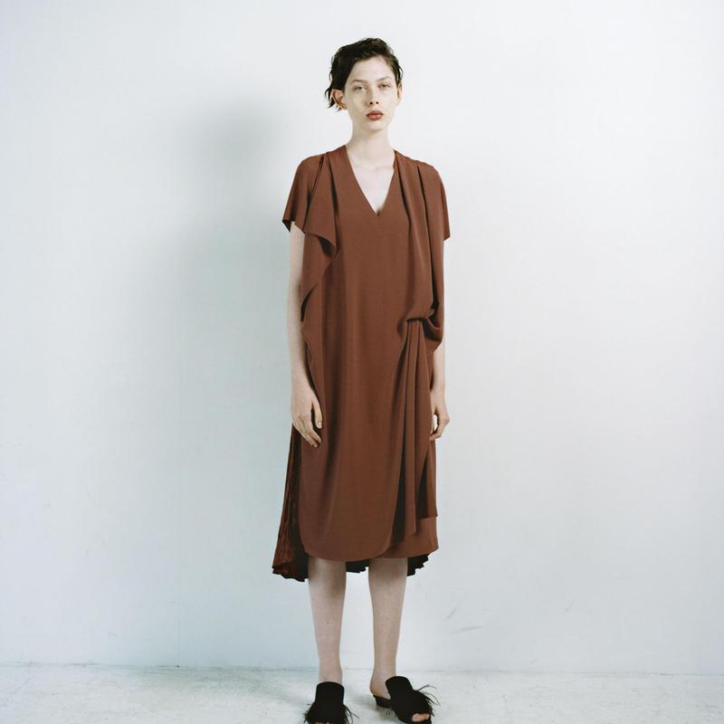 REKISAMI国际品牌品牌2020春夏针织对接连衣裙