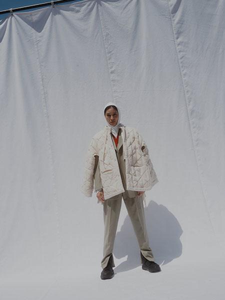 FUMIKA_UCHIDA国际品牌品牌2019秋冬新款纯色格子羽绒服