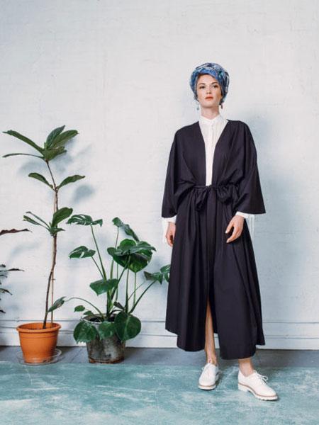 StaSa国际品牌品牌2020春夏新款经典和服款式
