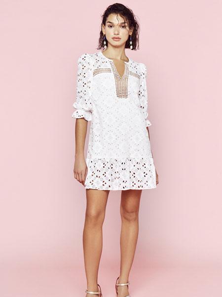 Clara Ibarguren国际品牌品牌2020春夏新款纯色蕾丝缕空连衣裙