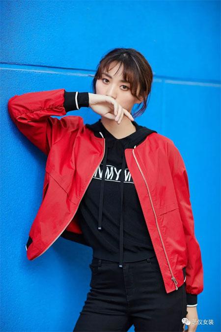 芝仪女装品牌2020春夏新款热情红长袖外套