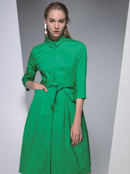 依贝奇女装品牌2020春夏新款纯色纽扣连衣裙
