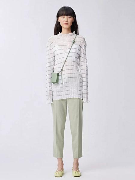Less.女装品牌2020春夏新款条纹缕空上衣