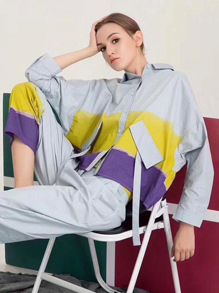 夺宝奇兵女装品牌2020春夏新款拼接色运动套装