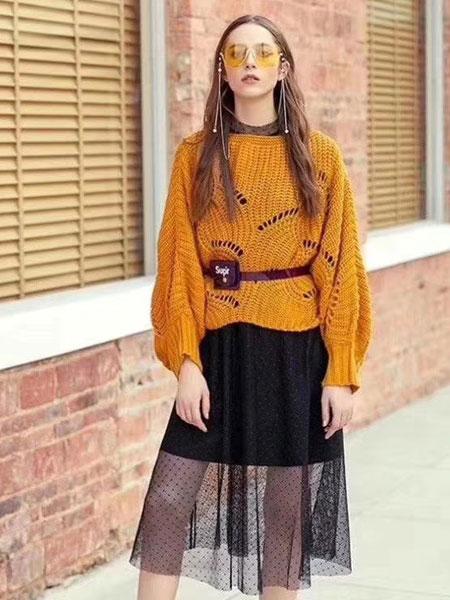 夺宝奇兵女装品牌2020春夏新款针织破洞长袖上衣