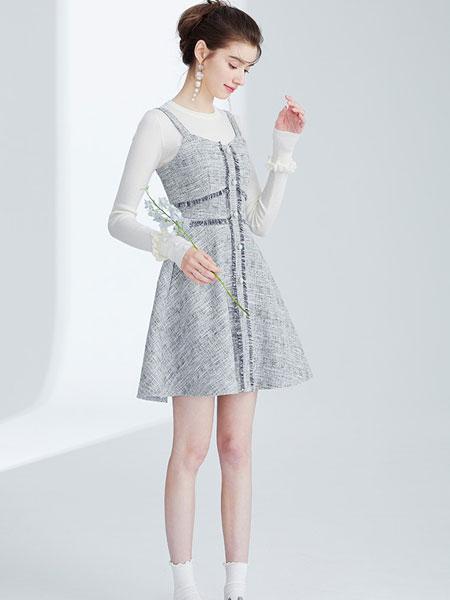 夺宝奇兵女装品牌2020春夏新款毛呢纯色吊带连衣裙