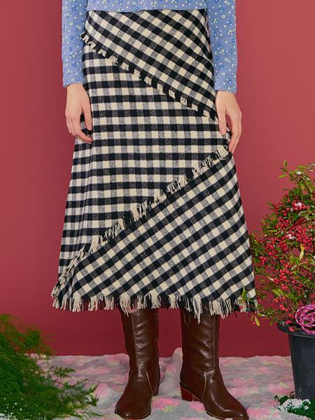 Margarin Fingers国际品牌品牌2020春夏条纹格纹半身裙