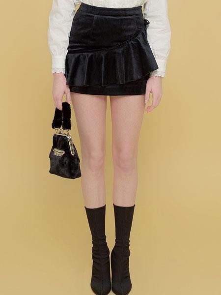 Margarin Fingers国际品牌品牌2020春夏天鹅绒缎带裙