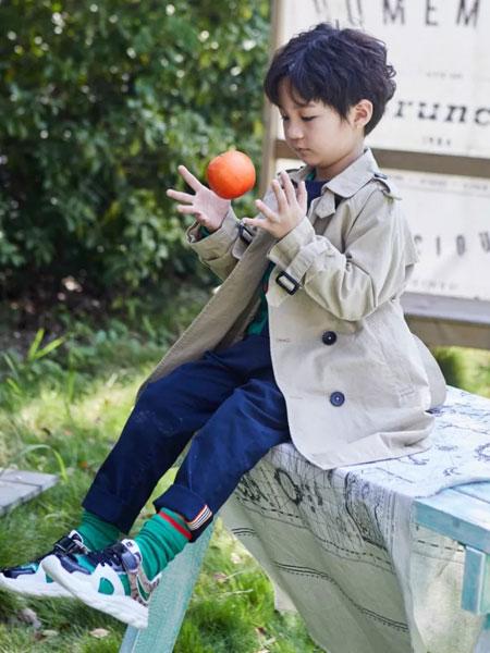 小资范童装品牌2020春夏新款男童气质纽扣大衣
