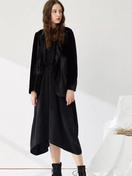 女性日记女装品牌2020春夏黑色连衣裙