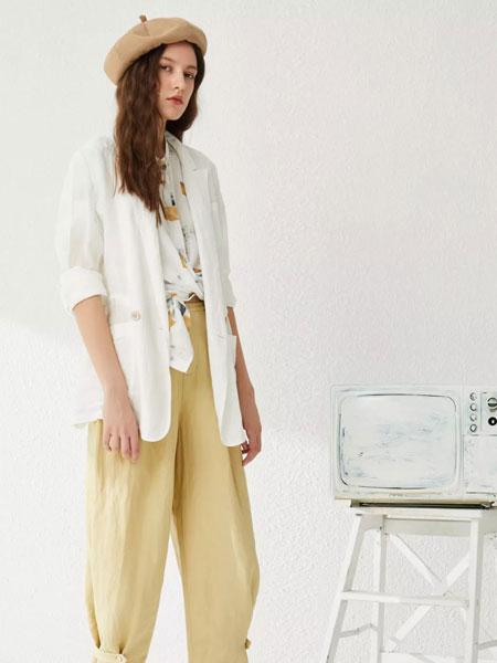 女性日记女装品牌2020春夏新款白色纽扣夹克
