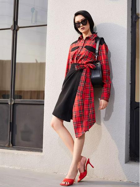 uhot诱货女装品牌2020春夏新款格子个性连衣裙
